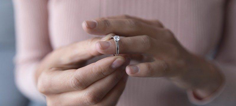 לבטח טבעת אירוסין